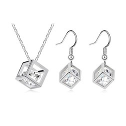 Austria Crystal Cube Jewelry Set in White Gold Plated